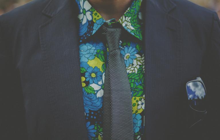 A wedding guests tie